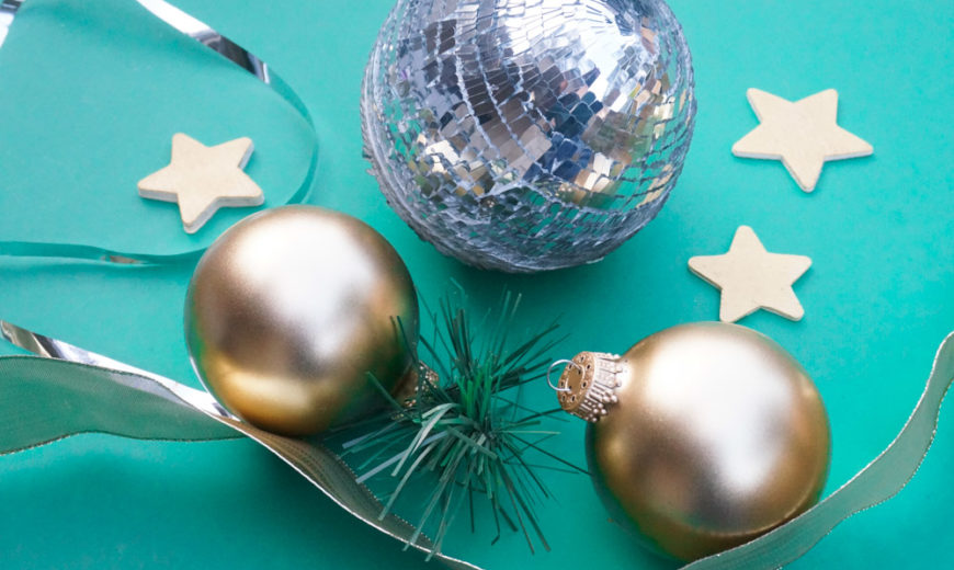 2 Easy Ways to Dress Up Holiday Greenery
