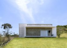 Minimal-and-efficient-BV-House-in-Brazil-217x155