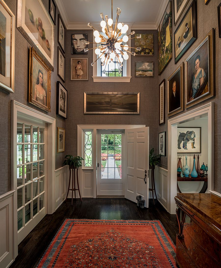 Perfect traditional entry idea for art lovers!