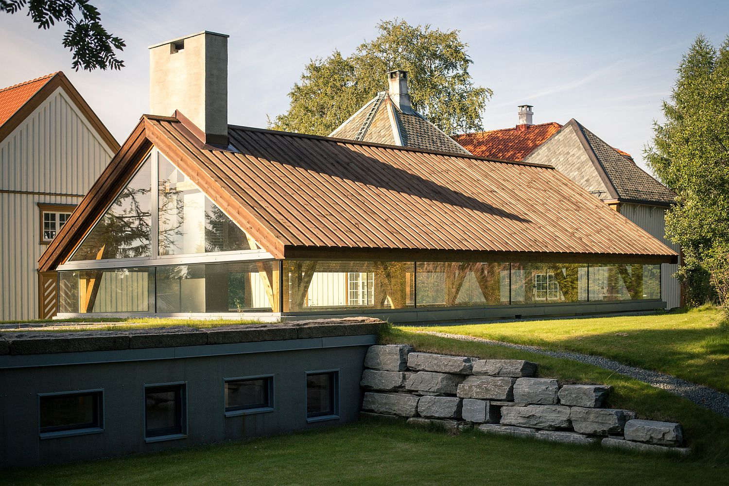 Revamped old far distellery in Norway with modern functionality