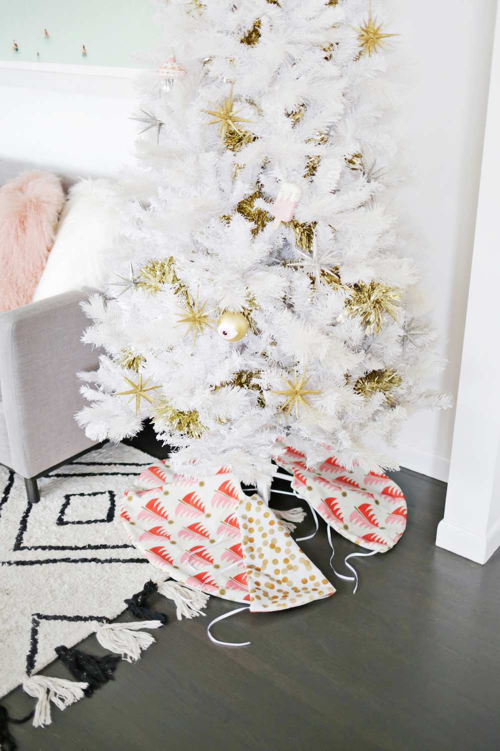 Reversible tree skirt from A Beautiful Mess
