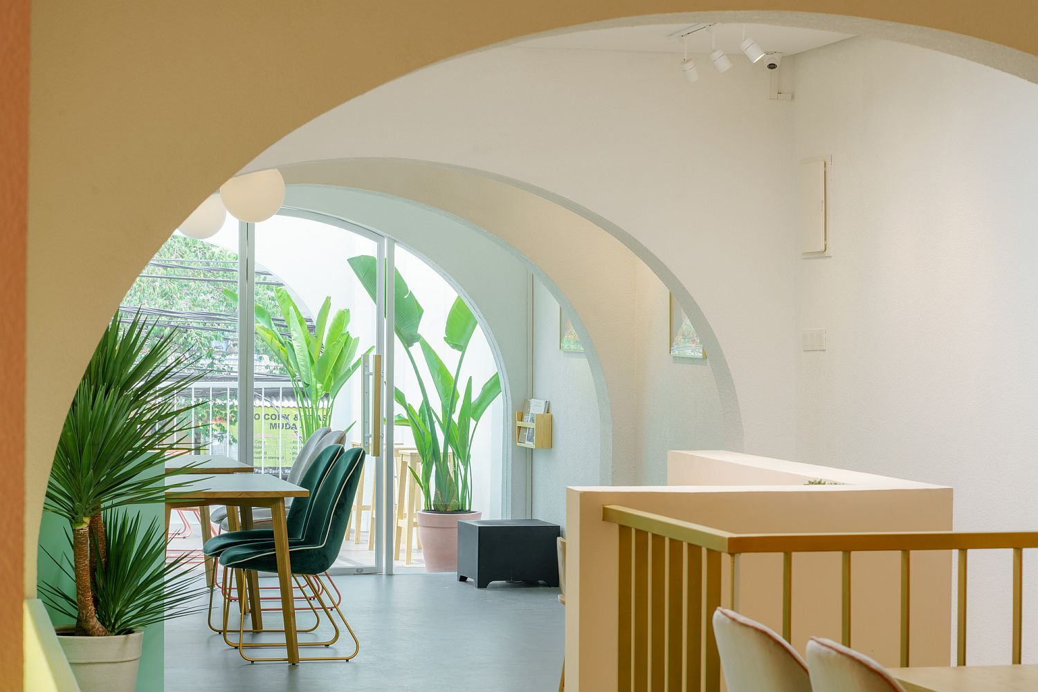Series of arches add to the spatial appeal of the cafe