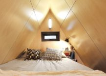 Space-savvy-and-woodsy-bedroom-of-the-tiny-house-with-natural-ventilation-217x155