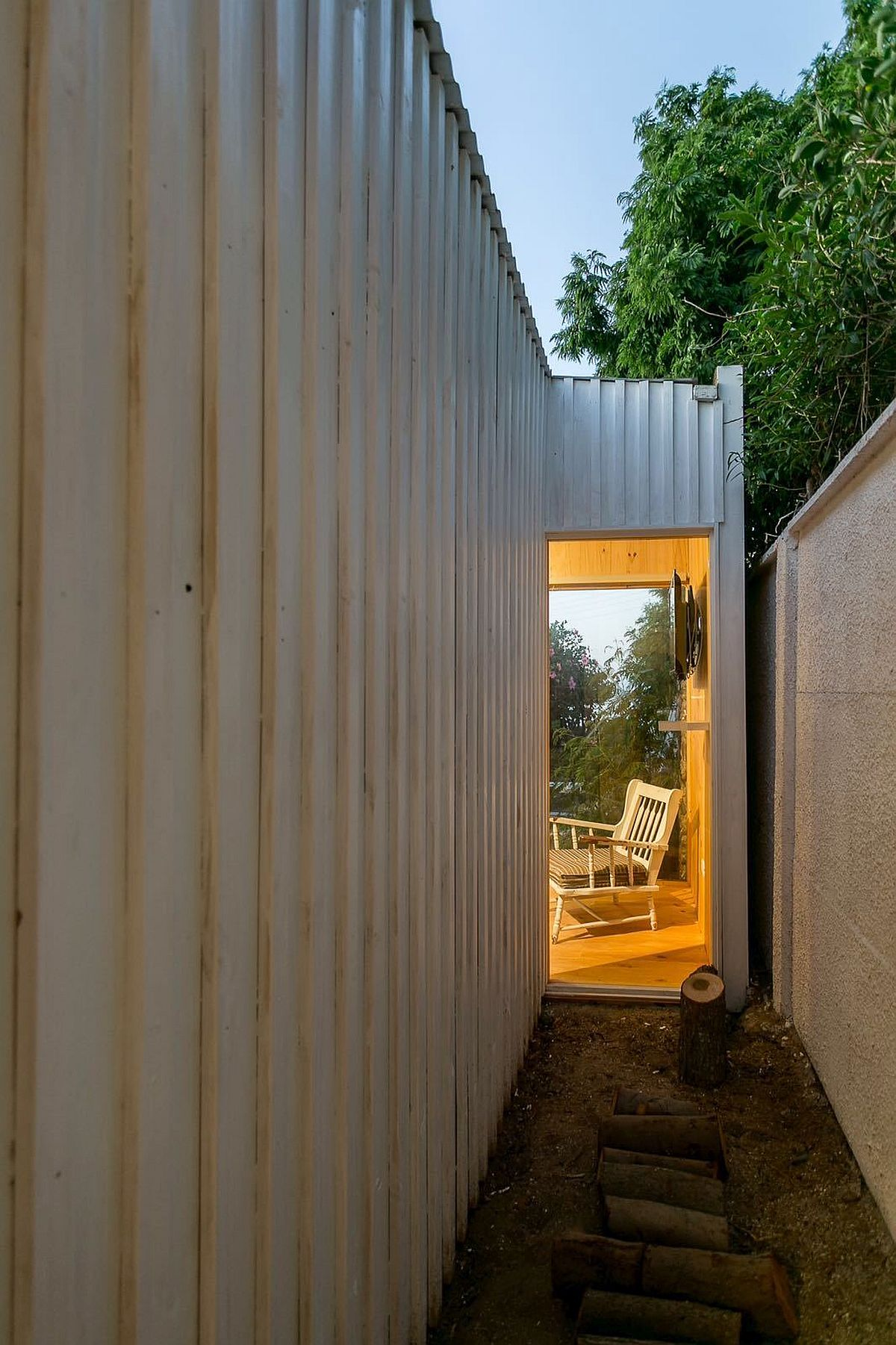 Working with tight spatial constraints at the Polycarbonate cabin