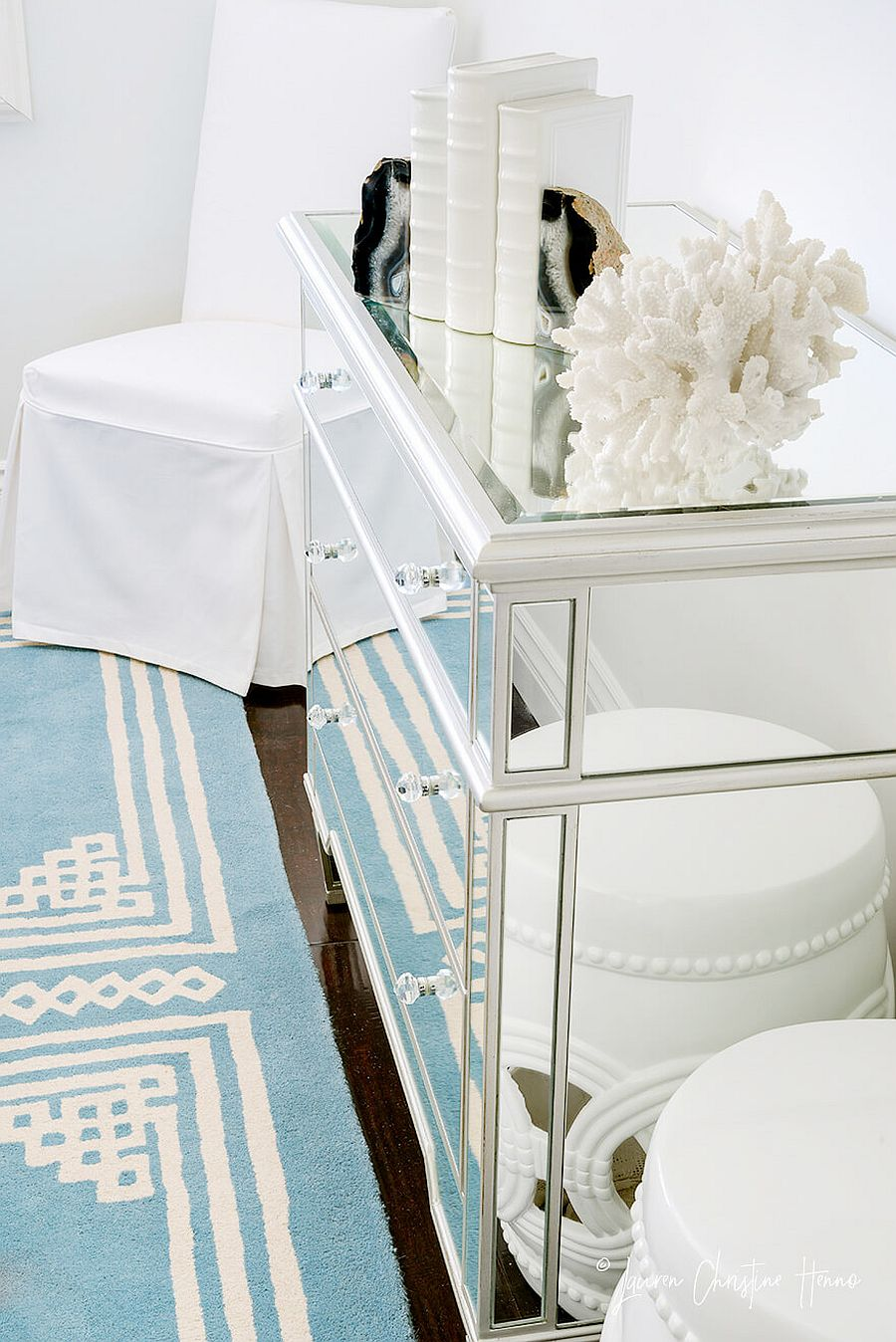 Blue, acryclic and white combine to create the perfect, relaxing cabana