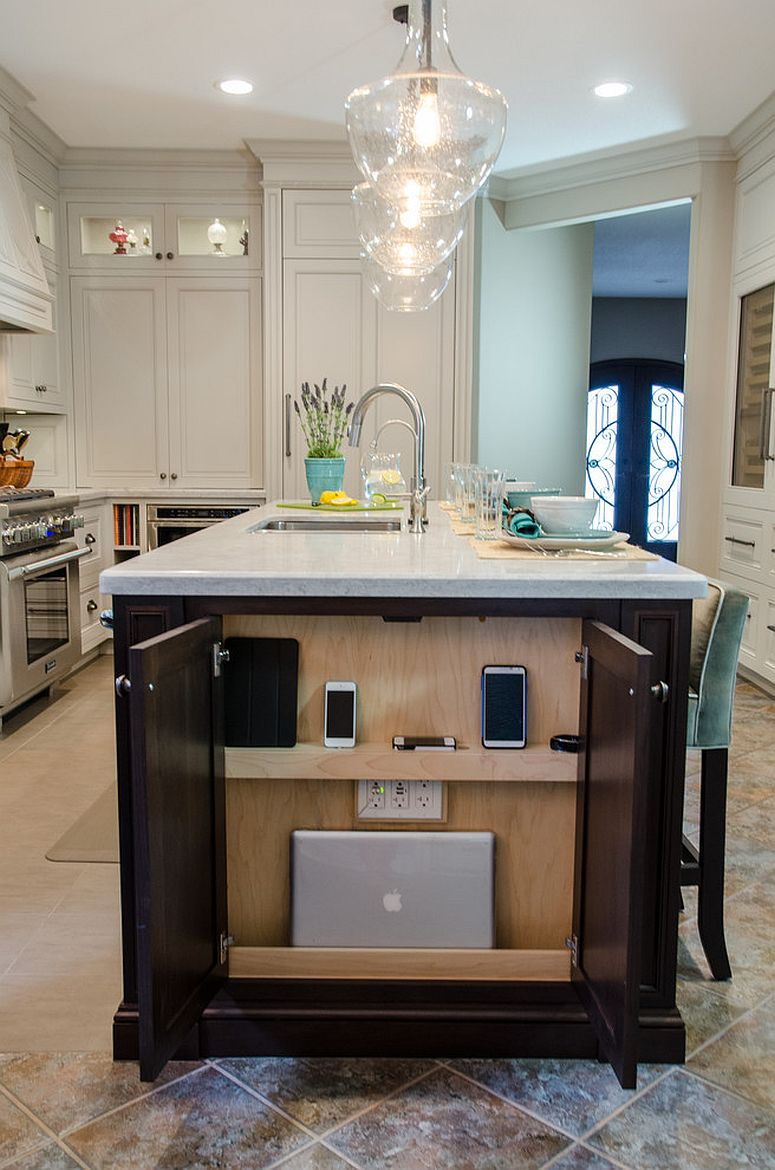 Cabinet-at-the-end-of-the-kitchen-island-acts-as-the-charging-station
