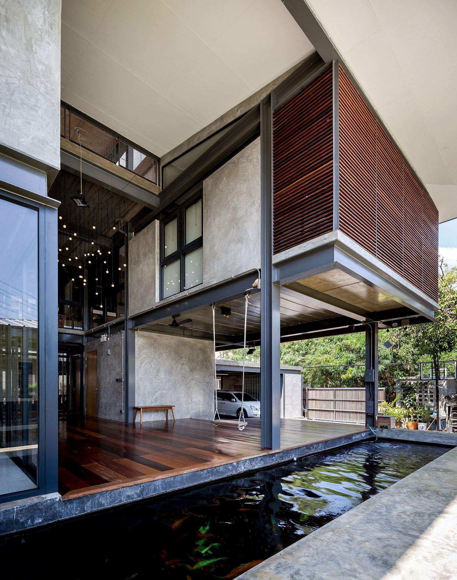 Cantilevered sections and smart cut-outs connect the landscape with the home further