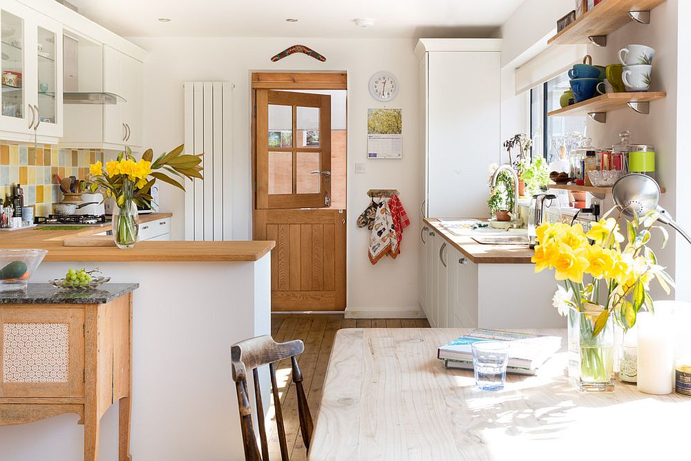 Cheerful and stylish modern farmhouse kitchen in white