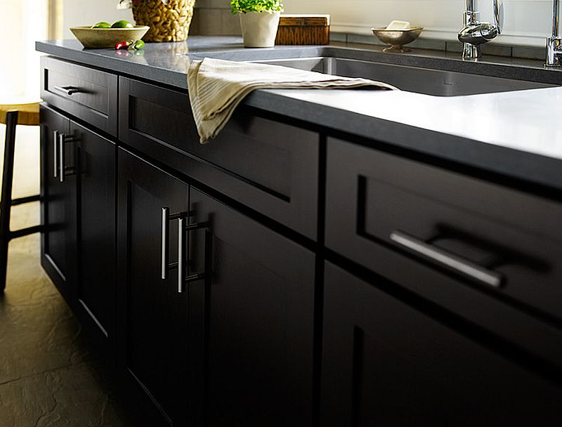 Closer look at the shaker cabinets with a contemporary finish