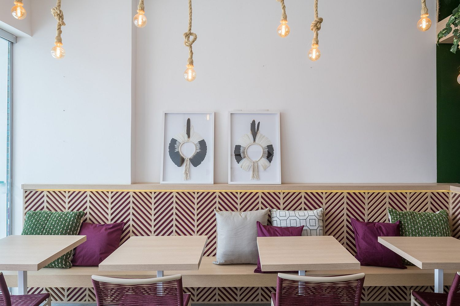 Edison bulbs hung beautifully give the interior a smart, casual vibe