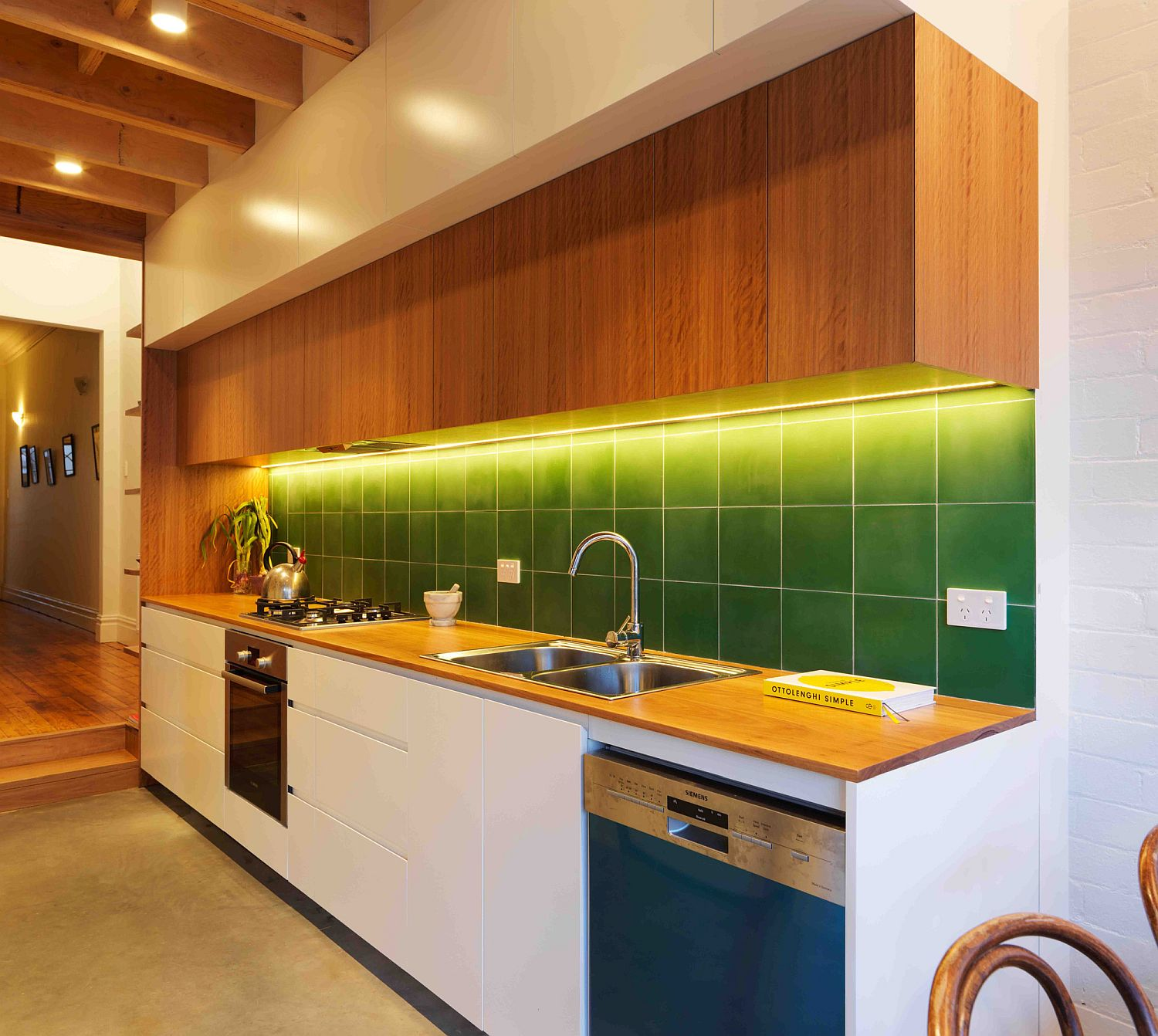 Gorgeous green backsplash for the kitchen in white and wood