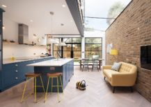 Shifting To A New Interior: Rear Extension To Cramped London Home