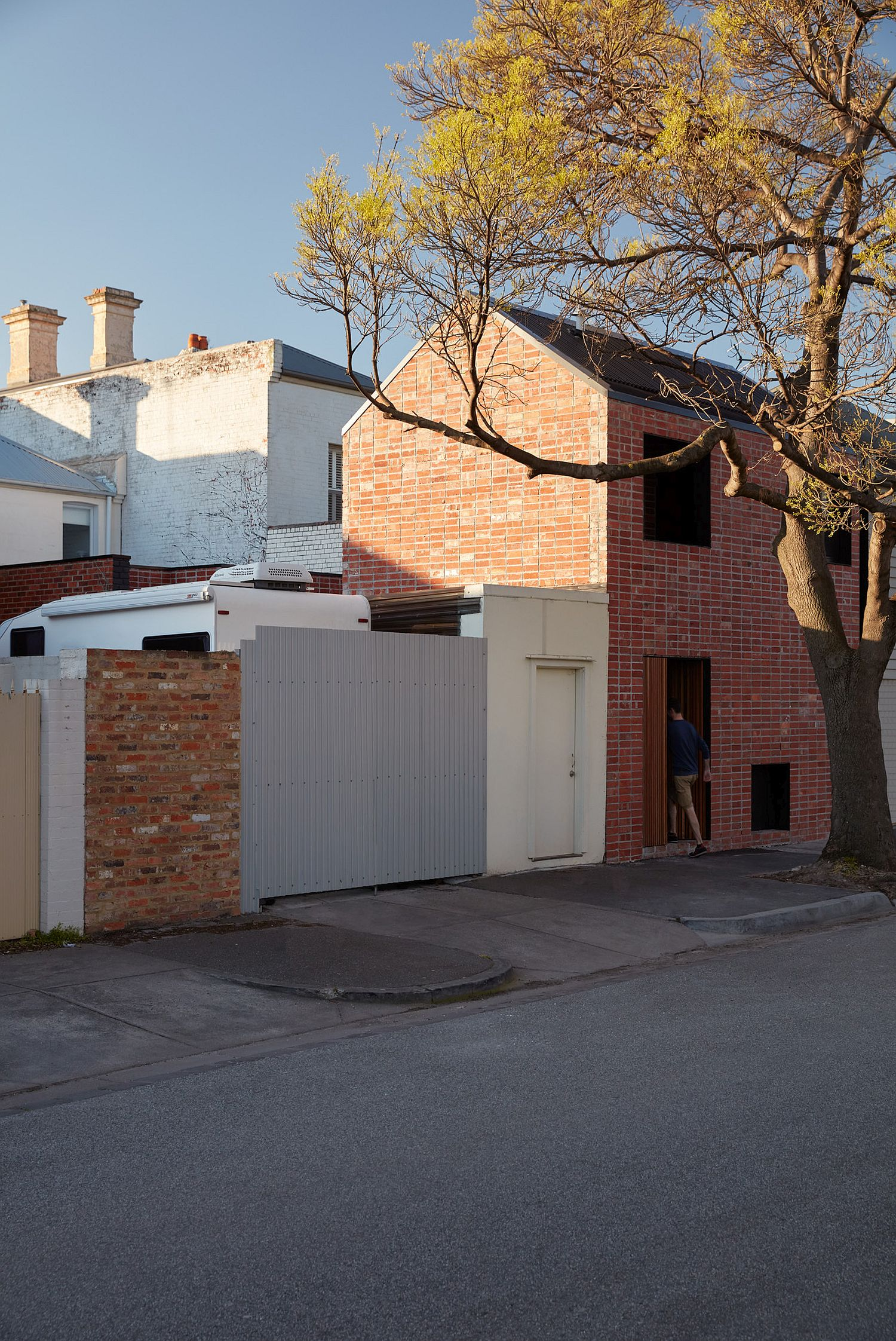 Transforming a heritage listed terrace house into a modern family house