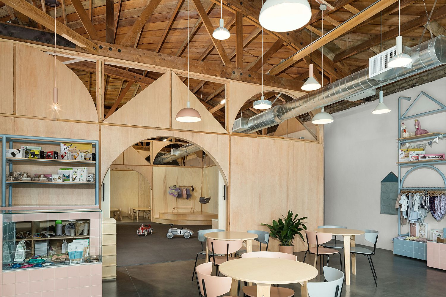 Unique and innovative adult and kids' space in California for the modern employee