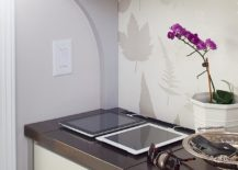 Use-the-kitchen-corners-to-create-a-smart-charging-station-217x155