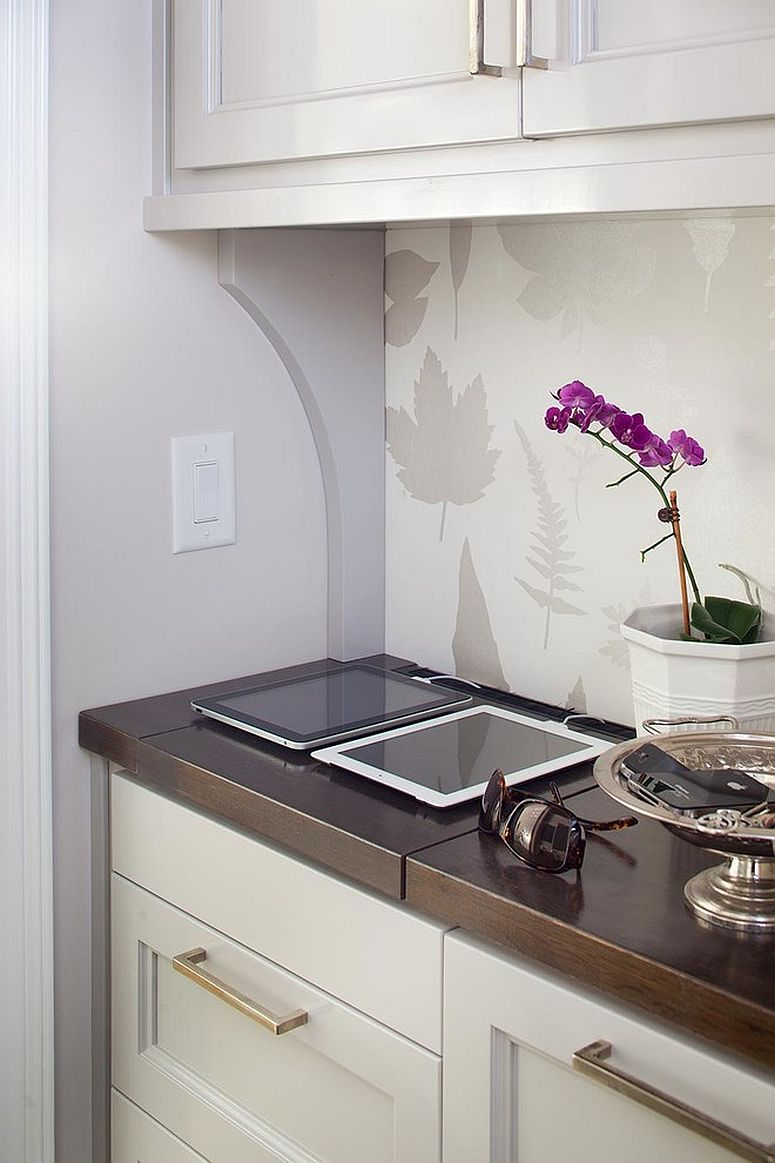 Use the kitchen corners to create a smart charging station