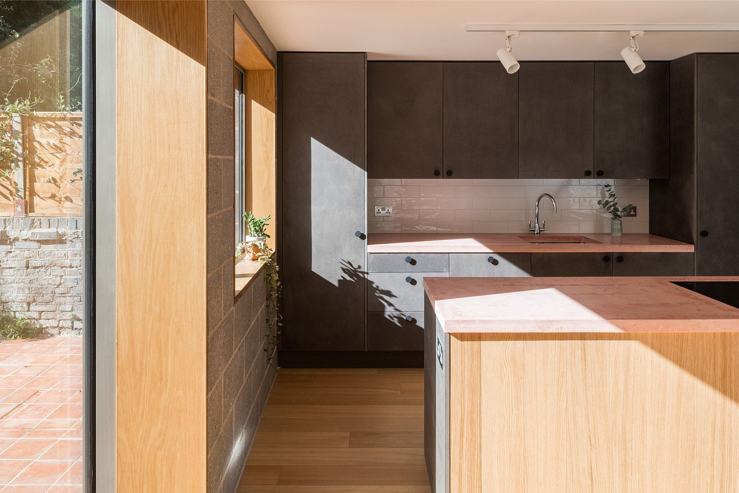 Allowing your kitchen to bathe in natural light makes for a healthier lifestyle