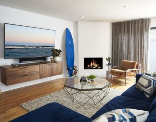 Beachy Bachelor: Blue, White and an Ocean of Contemporary Panache!