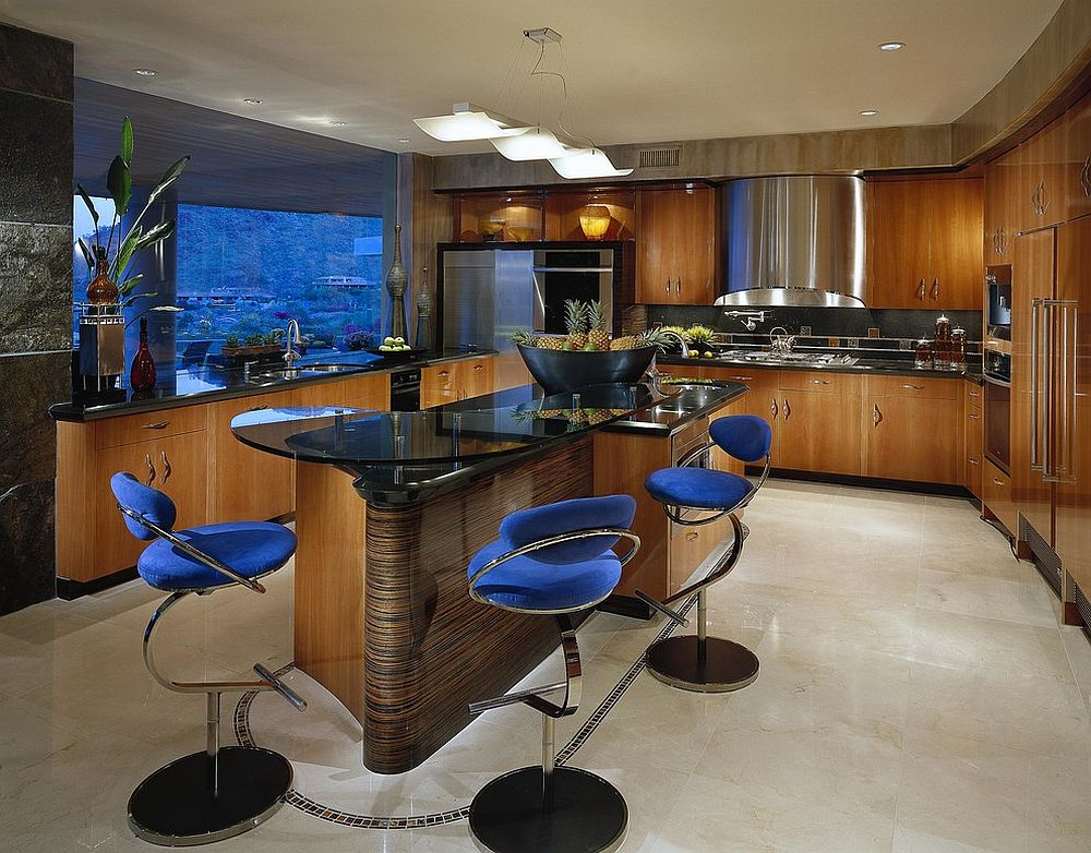 Black-and-wood-kitchen-with-beautiful-blue-bar-stools