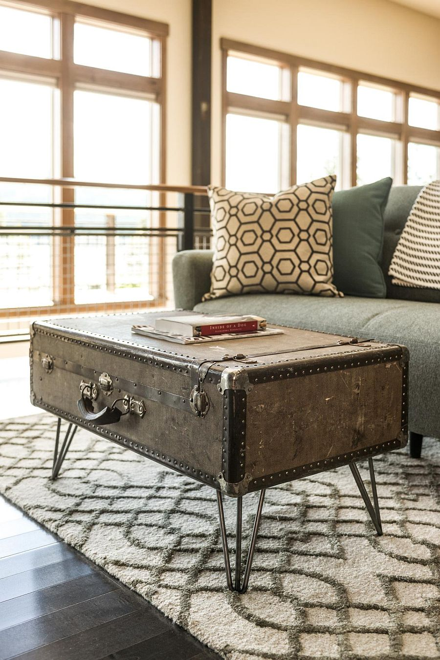 Fabulous DIY upcycled suitcase coffee table
