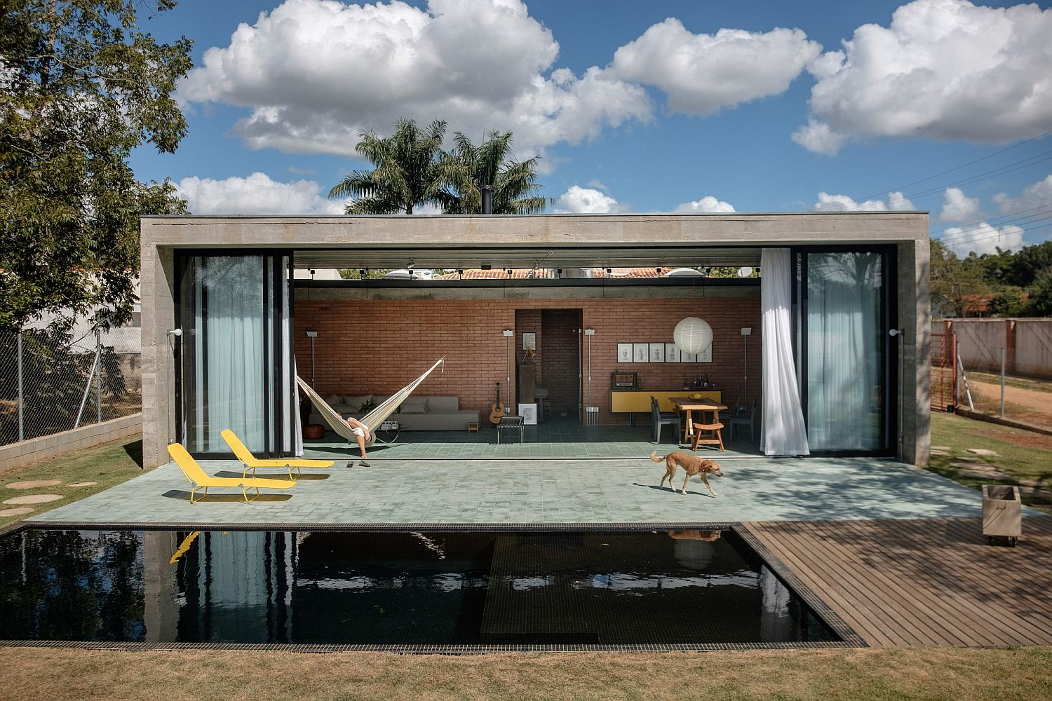 Line between the interior and the outdoors is blurred at this Brazilian home