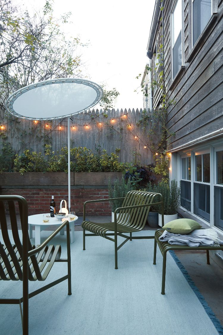 Modern green outdoor lounge furniture