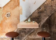 Simple-and-minimal-diner-arrangement-inside-the-Japanese-cafe-217x155