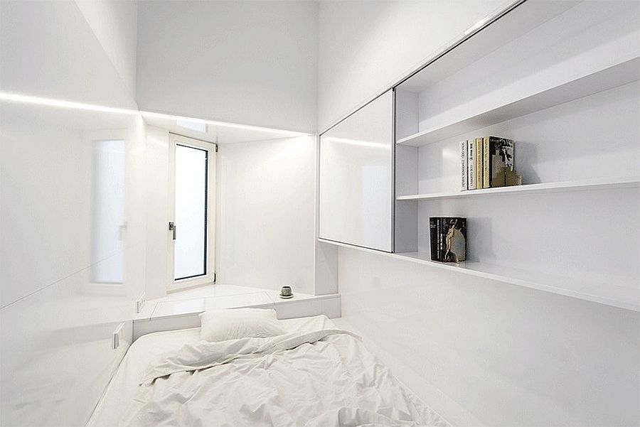 Sliding door in white for the uber-small bedroom
