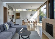 Timber-screens-brings-filtered-sunlight-into-the-kitchen-217x155