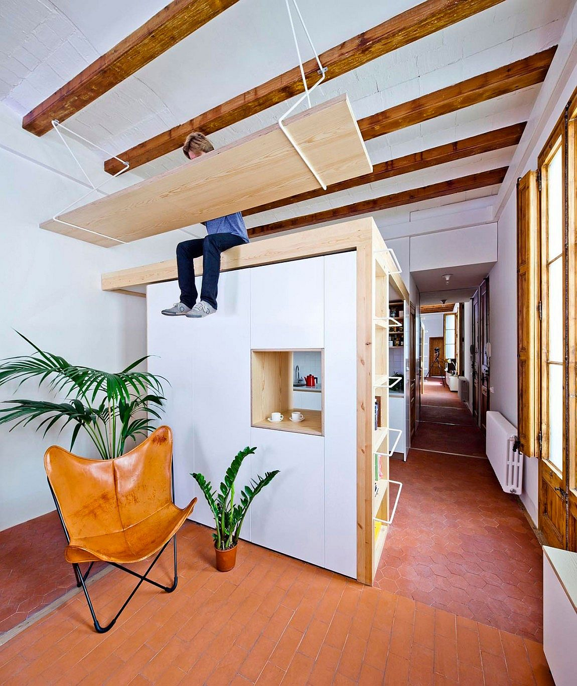 20 Mezzanine Apartment Ideas and Plans for the Spave-Savvy Urbanite