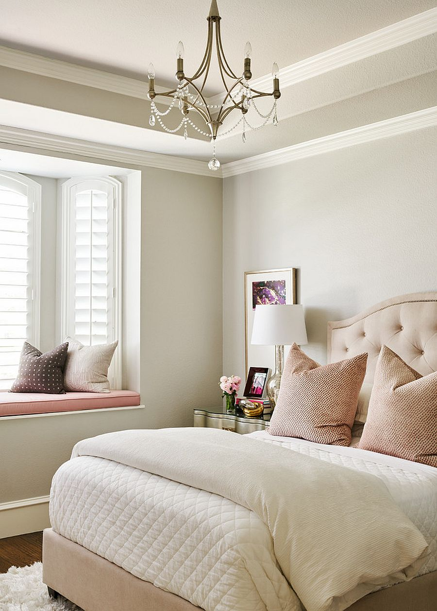 White is a color that never fails to impress in the feminine bedroom