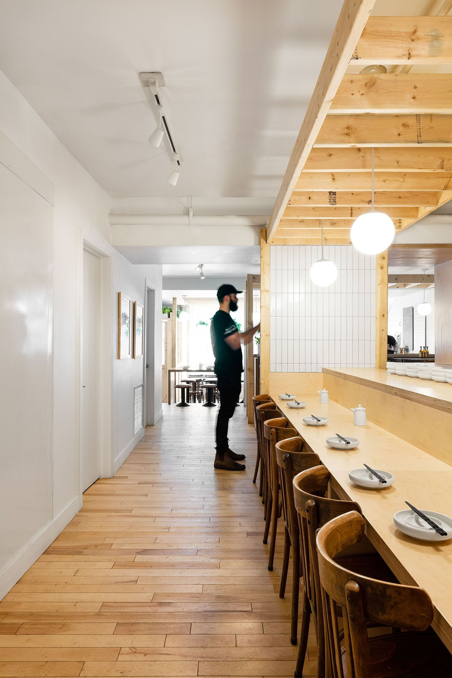 Wood-adds-warmth-to-the-interior-of-the-cafe
