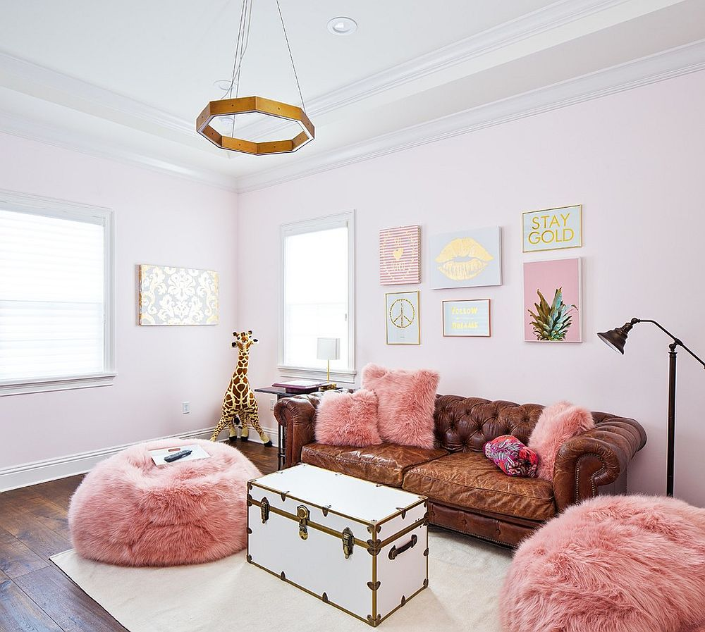 Ideas For Decorating Plush Pink Sofa Living Room: A Color Surprise: Beautiful Pink Living Room Ideas That