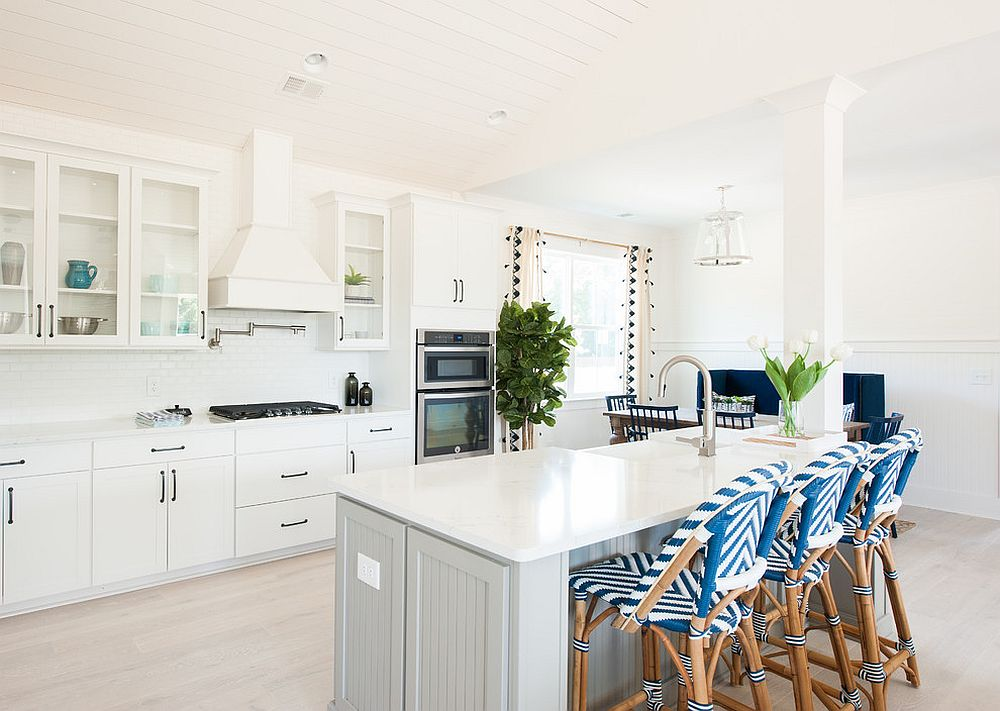 25 Cheerful and Breezy Beach Style Kitchens for the ...