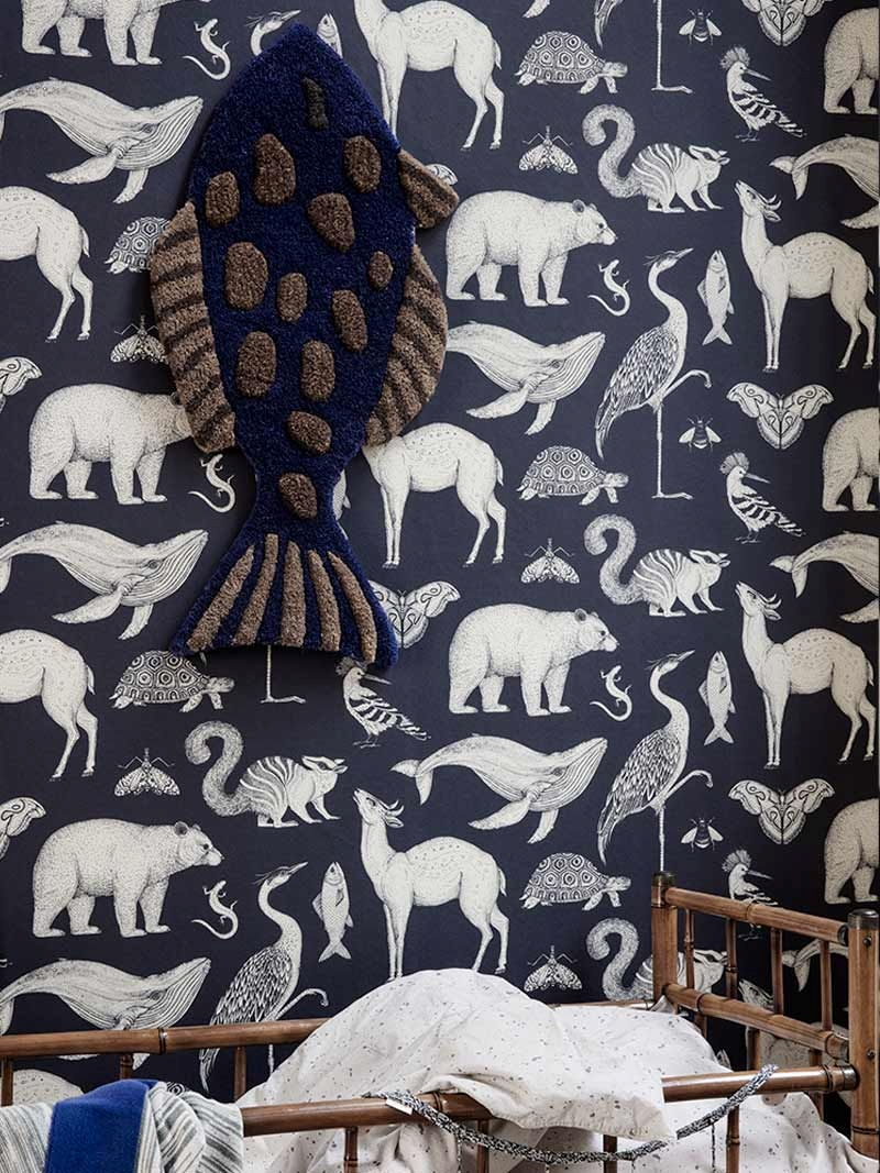Blue wallpaper with animals