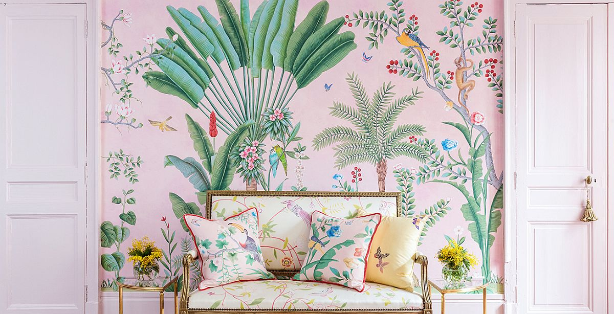 Bring outdoor greeney and tropical vibe in grand style into the bedroom with this hand painted wall mural from de Gournay