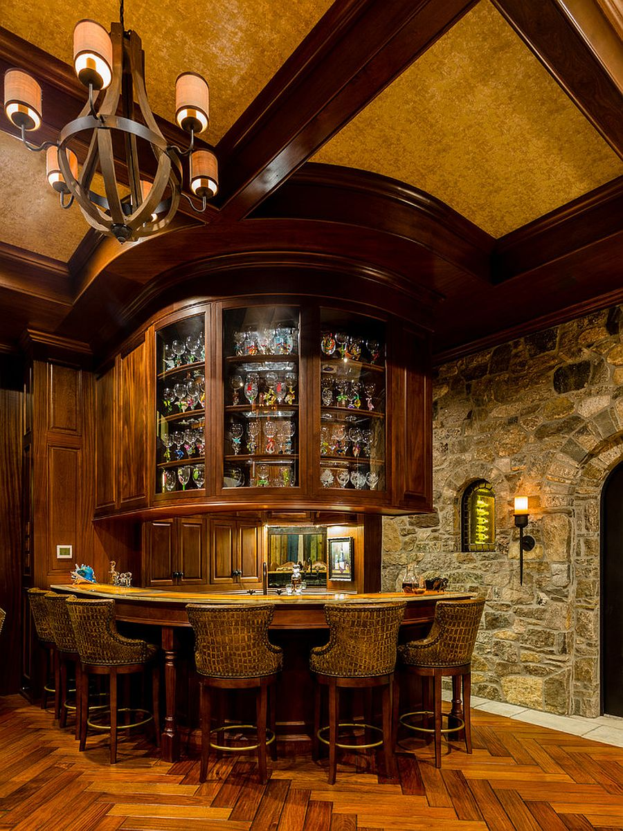 Bringing the classic Tuscan flavor to the spacious home bar