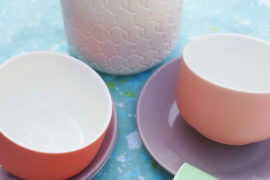 How to Mix and Match Tableware for Spring Entertaining