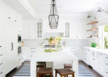 Exquisite-and-bright-beach-style-kitchen-in-white-217x155