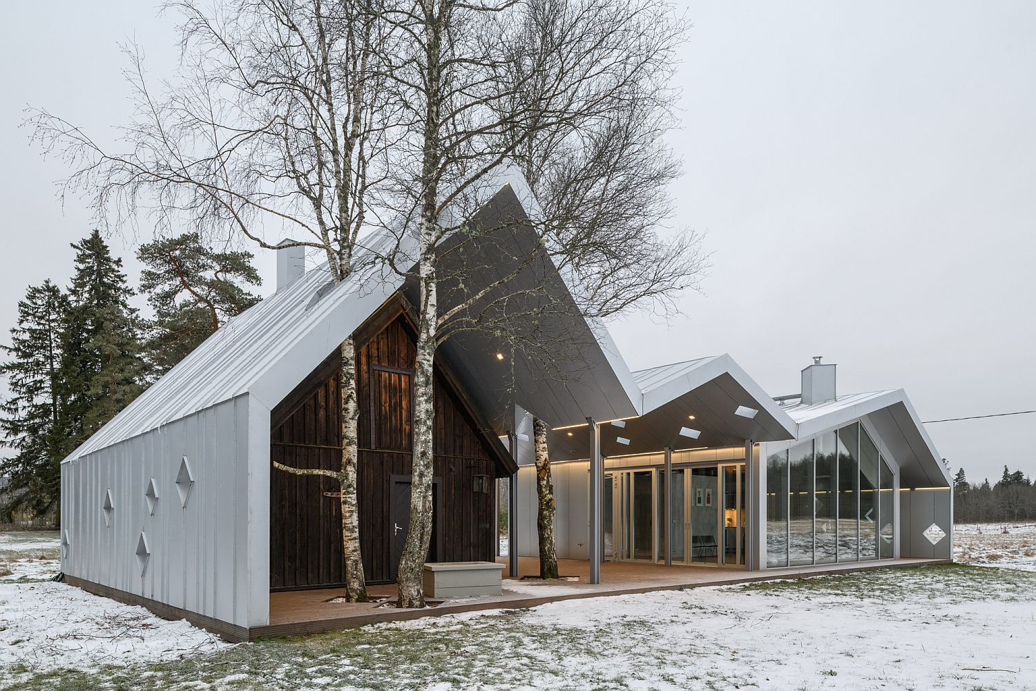 Light-and-fun-overall-design-of-the-sauna-makes-it-a-visual-delight