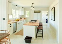 Modern-kitchen-in-wood-and-white-with-practical-design-that-makes-your-life-easier-217x155