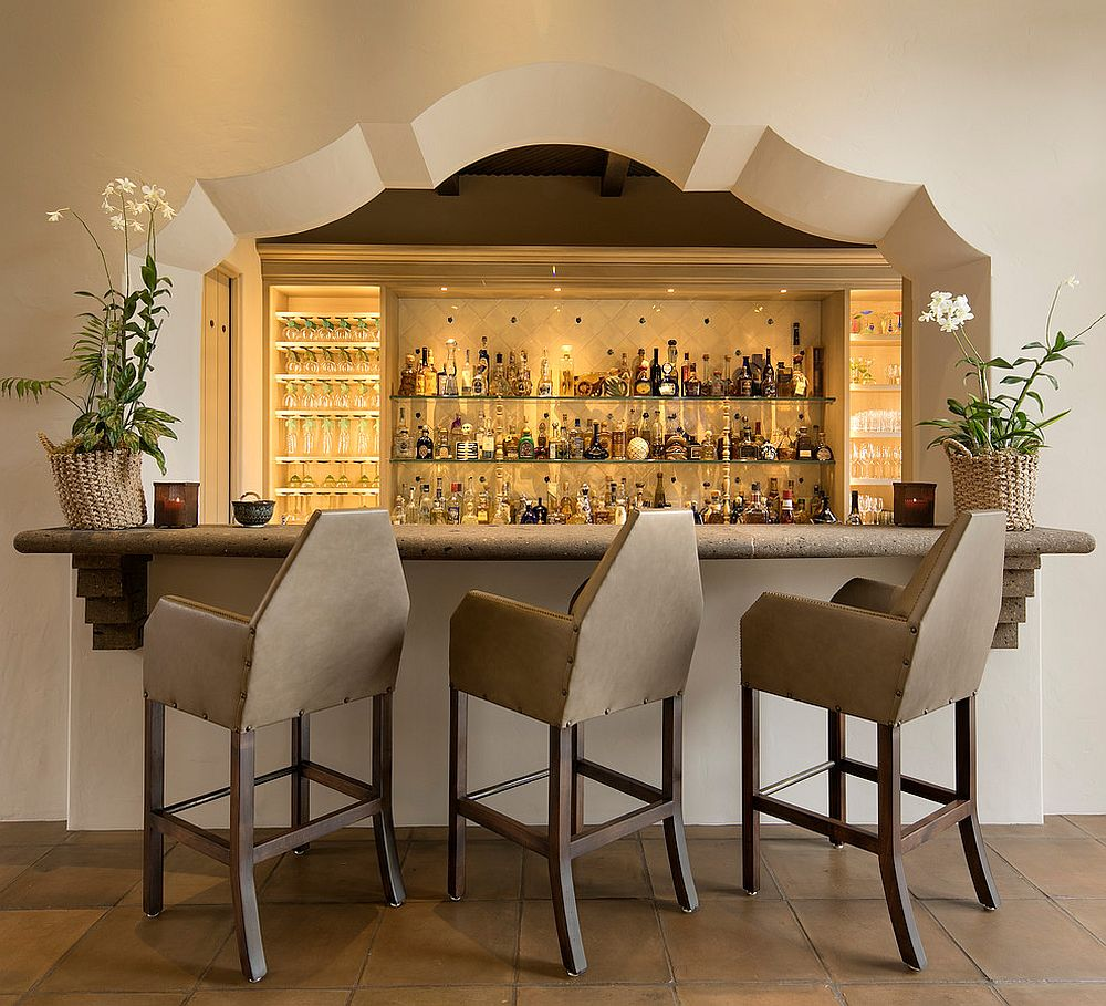 Perfect arch design for the Mediterranea bar with plenty of space inside