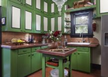 Terracotta-tiles-for-the-southwestern-kitchen-in-green-and-white-217x155