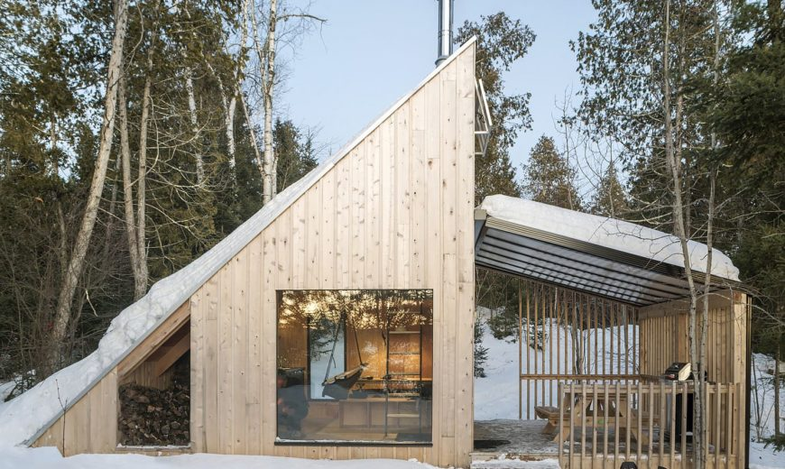 Woodsy Modern Micro-Shelter in Québec with Timeless Triangular Charm