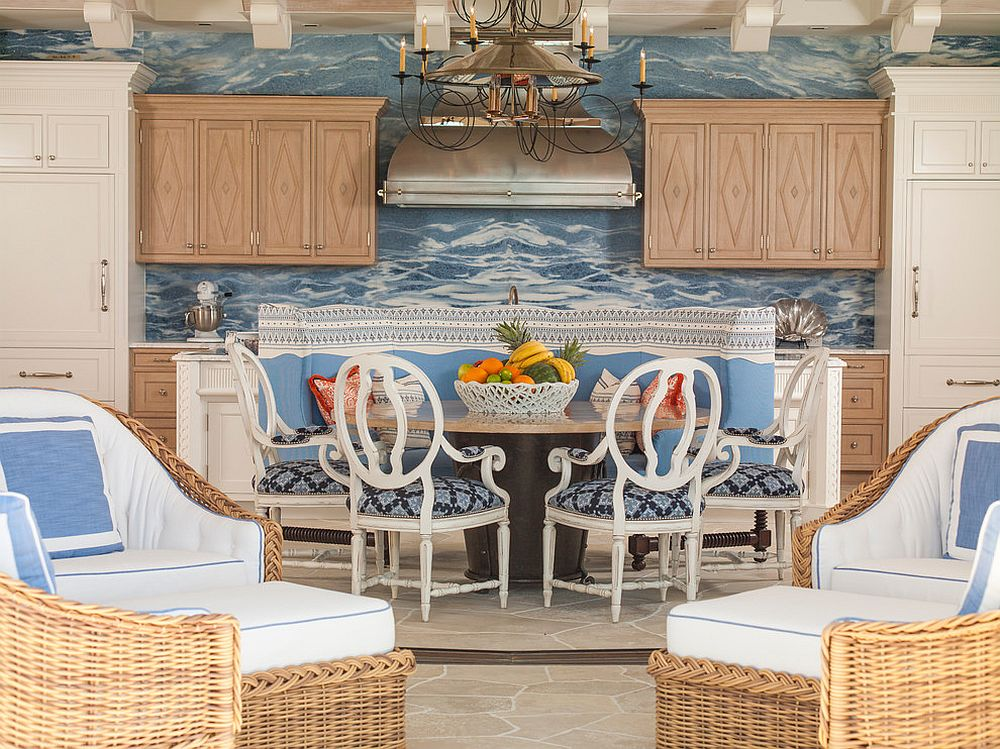 Classy dining room combines beach style with tropical elegance!