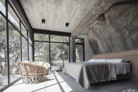 Stunning Natural Rock-Clad Bedroom Steals the Show at this Mexican Home!