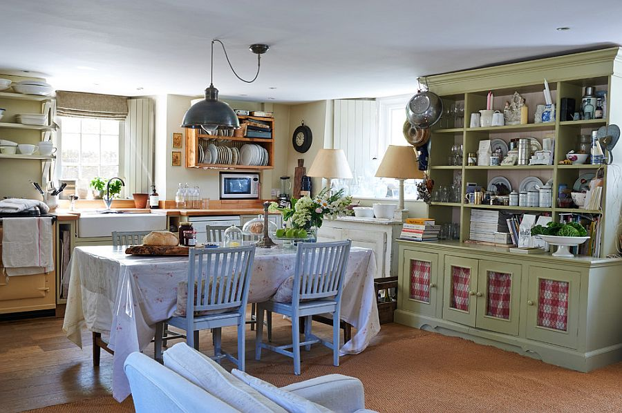 Rustic-chic-dining-room-blended-with-farmhouse-flavor
