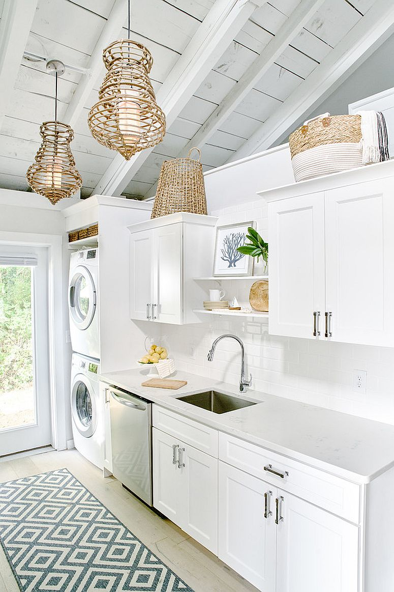 Space-saving design combines the small kitchen with laundry design without hassle