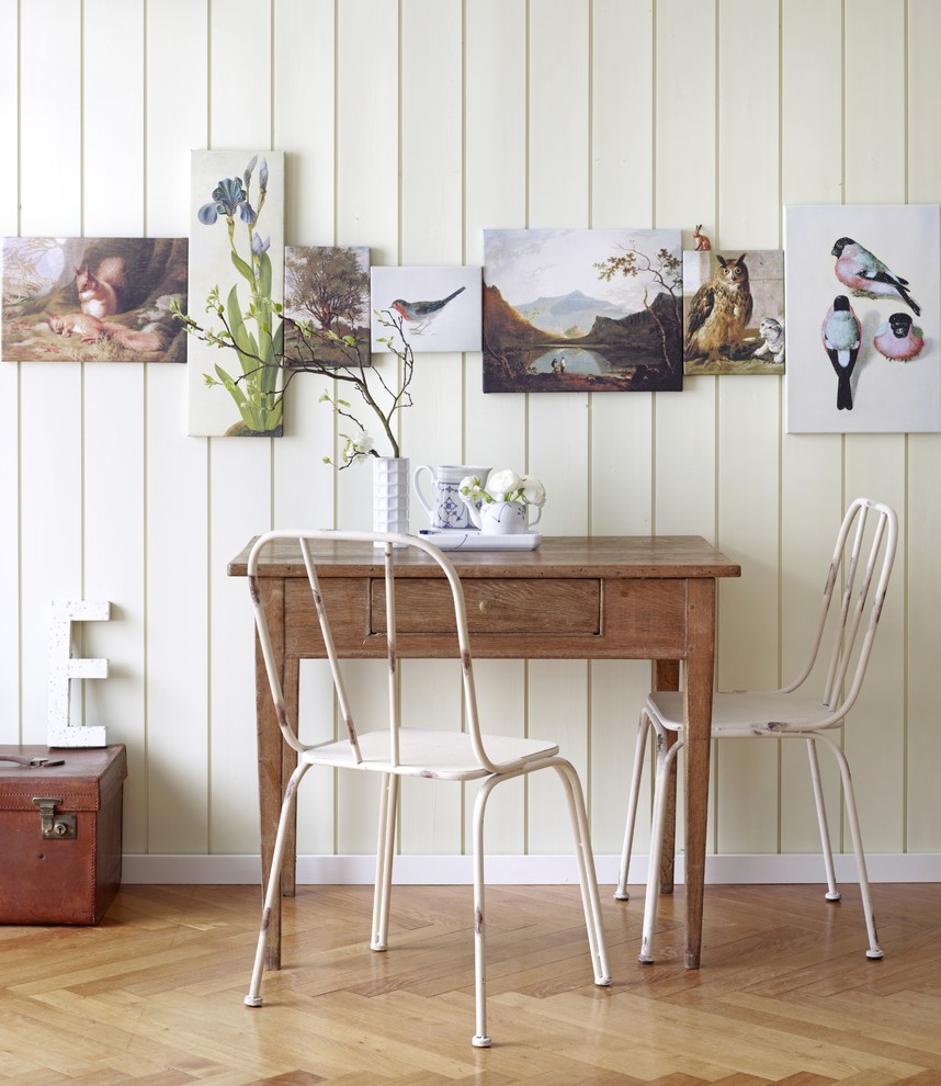 Tiny shabby chic dining room can be used in more ways than one