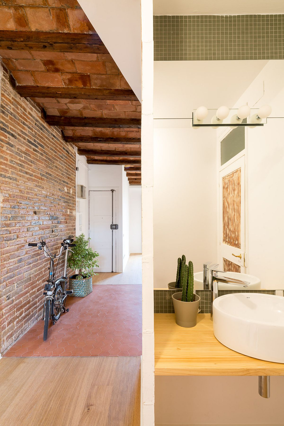 Transforming small Barcelona apartment with limited space